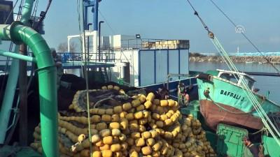 Balıkçılar bu kez hamsi için 'Vira Bismillah' dedi - DÜZCE