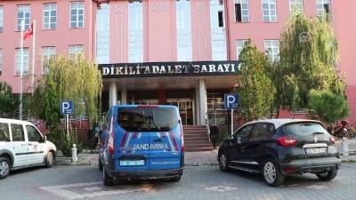 jandarma - 24 düzensiz göçmen yakalandı - Gözaltına alınan sürücü tutuklandı - İZMİR
