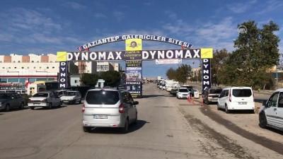 El freni çekilmeyen vinç 11 araca çarparak durdu - GAZİANTEP