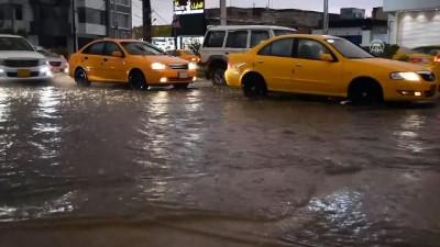 Kerkük'te şiddetli yağış hayatı olumsuz etkiledi - KERKÜK