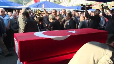 gesi - Süngü Tepe Üs Bölgesi'nde şehit olan Topçu Er Yusuf Önder son yolculuğuna uğurlandı - ANTALYA