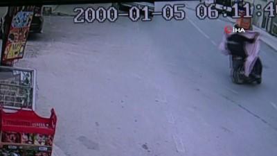 Çaldıkları televizyonları motosikletle taşıyan hırsızlar yakalandı...Çalıntı motosikletle çalıntı televizyon sevkiyatı kamerada