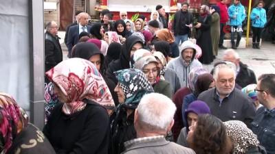 Eyüpsultan Meydanı'nda 'Diyabet Günü'nde ücretsiz şeker taraması