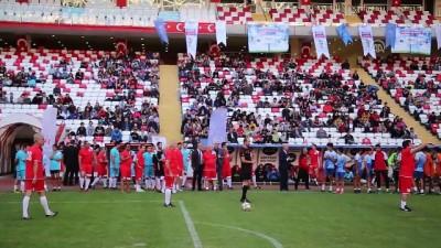 'Futbolun Efsaneleri Gençlerle Buluşuyor' projesi - ANTALYA