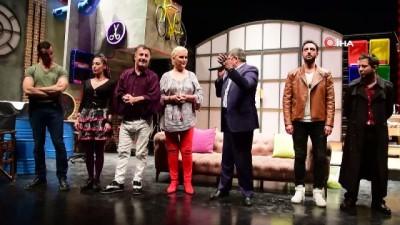 Guiness Rekorlar Kitabı'na giren ''Şen Makas'' oyunu Bilecik'te de sahnelendi