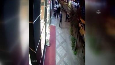 Kapkaç güvenlik kamerasına yansıdı - İSTANBUL