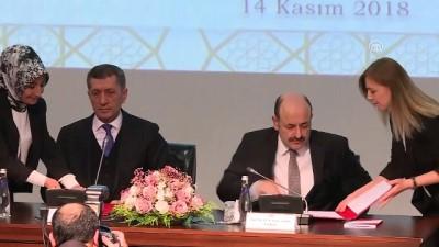 toplanti - Milli Eğitim Bakanı Selçuk ve YÖK Başkanı Saraç'ın işbirliği protokolünü imzalaması - ANKARA