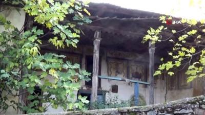Tarihi Damatlı camii göz göre göre yok oluyor