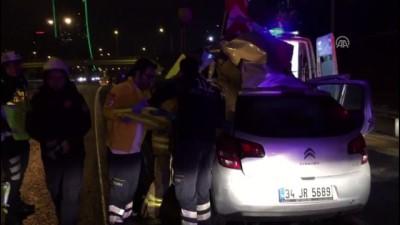 saglik ekipleri - TEM Otoyolu'nda otomobil bariyerlere çarptı: 1 yaralı - İSTANBUL