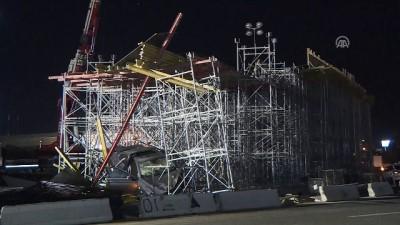 Başkentte otomobil köprü inşaatı iskelesine çarptı - ANKARA