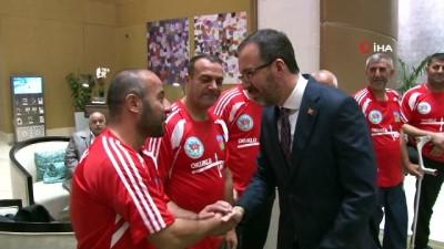baskent -  - Gençlik ve Spor Bakanı Kasapoğlu Azerbaycan'da Türkiye Mezunları Programına katıldı