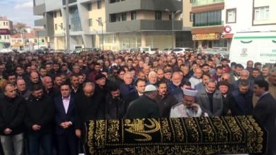 Kalp krizine yenik düşen MHP'li İlçe Başkanı Toklucu, son yolculuğuna uğurlandı
