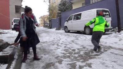 Kars'ta kar ve tipiden 71 köy yolu ulaşıma kapandı