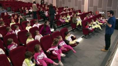 Minik öğrencilere diş sağlığı semineri