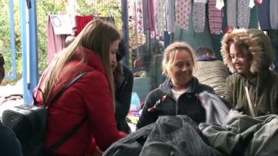 Akın akın gelmeye devam ediyorlar...Sosyete pazarında komşuya pazar esnafından 'açık hesap'
