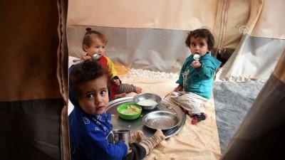 Humuslu Türkmenlerin imkansızlıklar içindeki yardım bekleyişi sürüyor - İDLİB