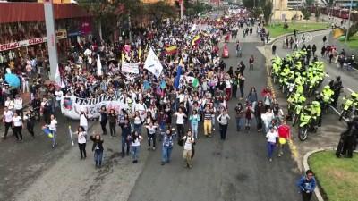 baskent - Öğrenci protestosuna polis müdahalesi - BOGOTA