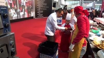 Engelliler pizza yarışmasında hünerlerini sergiledi