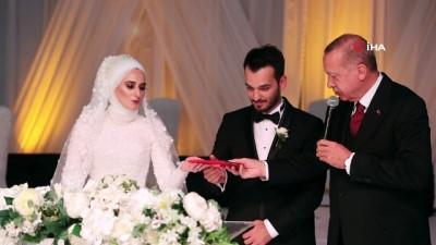- Cumhurbaşkanı Erdoğan, Fatih Belediye Başkanı Hasan Suver'in kızının nikah şahidi oldu