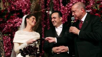 - Cumhurbaşkanı Erdoğan, İlker Aycı'nın nikah şahidi oldu