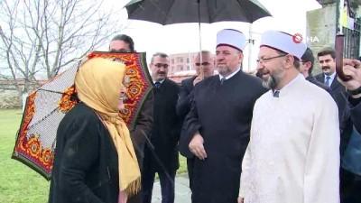 - Diyanet İşleri Başkanı Erbaş, Murad Hüdavendigar Türbesini Ziyaret Etti
