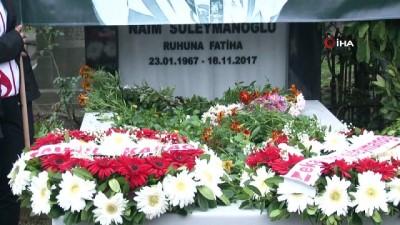 - Naim Süleymanoğlu, mezarı başında anıldı