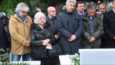 Nejat Uygur vefatının 5. yılında mezarı başında anıldı