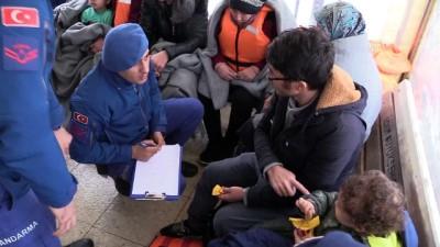 Adada mahsur kalan düzensiz göçmenler kurtarıldı (2) - BALIKESİR