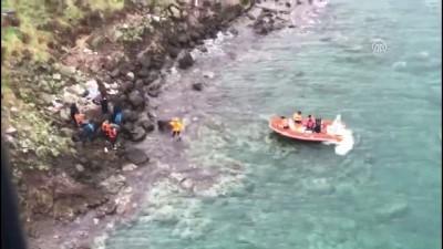 Adada mahsur kalan göçmenler için kurtarma operasyonu (4) - BALIKESİR