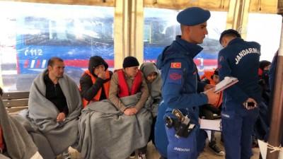Adada mahsur kalan göçmenler için kurtarma operasyonu (6) - BALIKESİR