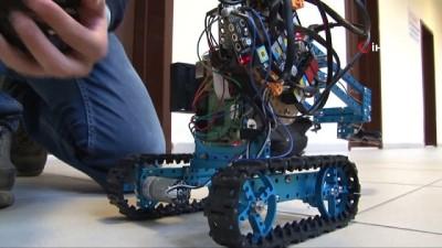 Öğrencilerden askerler için muhteşem buluş...Öğrenciler giyilebilir teknoloji ile bomba imha aracı üretti