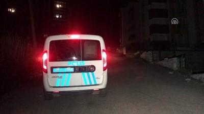Polisten kaçmak isterken balkondan atlayan asker kaçağı yaralandı - KARABÜK