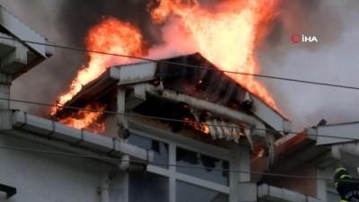 Ordu'da çatı katı alev alev yandı