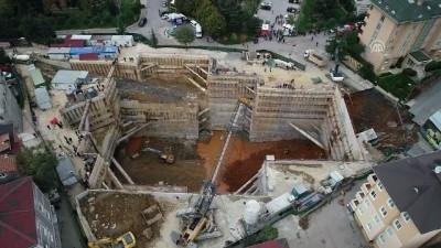 Ümraniye'de inşaat alanı yanındaki yolda göçük - Drone (2) - İSTANBUL