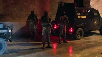 ozel harekat polisleri -  Besici operasyonunda gözaltına alınan 21 kişi adliyeye sevk edildi