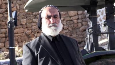 rahip - Cami onarımına 'rahip'ten destek - BATMAN