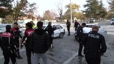 hastane - Ehliyetsiz sürücü polisten kaçarken kaza yaptı: 3 yaralı - KONYA