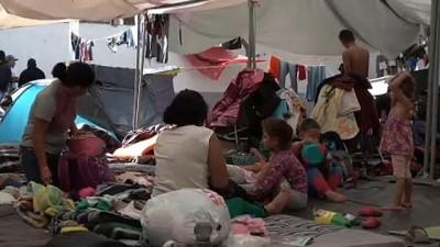 Göçmen kervanı sınıra dayandı: ABD'den portatif tel örgülü önlem