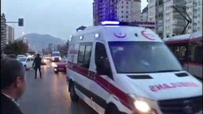 hastane - Kayseri'de tramvayla okul servisi çarpıştı: 4 yaralı