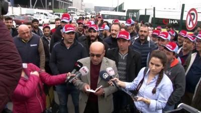 - Tofaş'ta işine son verilen 97 işçi fabrika önünde eylem yaptı