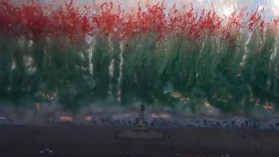 Video | Çinli sanatçıdan Floransa'da havai fişeklerle gökyüzüne tablo