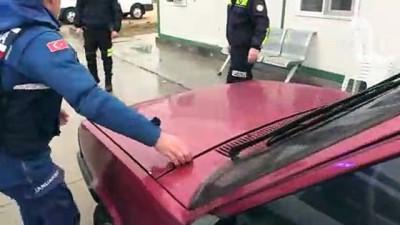 Polis sireniyle turistlerden para toplamaya çalışmışlar - EDİRNE