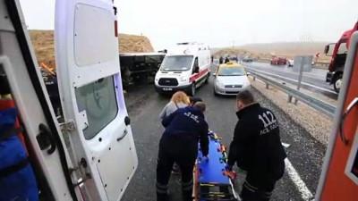 Malatya'da yolcu midibüsü devrildi: 7 ölü, 15 yaralı (2)