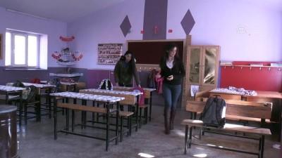 Köy okulunun fedakar kadın öğretmenleri - BİTLİS