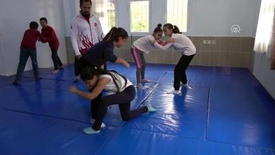 Şampiyon öğretmenin sporcu öğrencileri - BALIKESİR