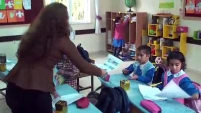 Sınırın fedakar öğretmeni öğrencilerine umut oldu (2) - KİLİS