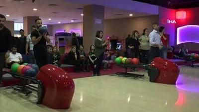 Öğretmenler bu kez okulda değil, bowling turnuvasında buluştu