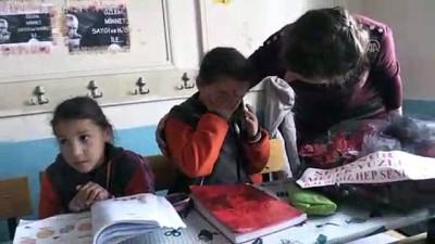 Öğretmenler Günü'nde küçük Sedanur'u andılar - KARS
