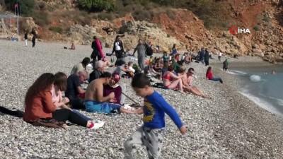 soguk hava dalgasi -  Antalya'da aralık ayına bir hafta kala deniz keyfi
