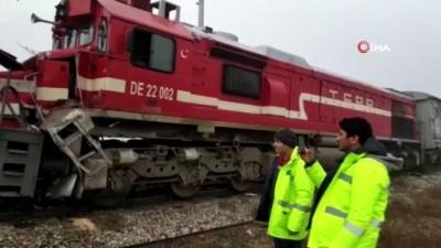 İki lokomotif aynı rayda çarpıştı: 9 yaralı